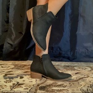 Madden Girl black booties